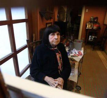 Homenajean en Chile a la pintora Roser Bru por su Medalla de Oro en Bellas Artes